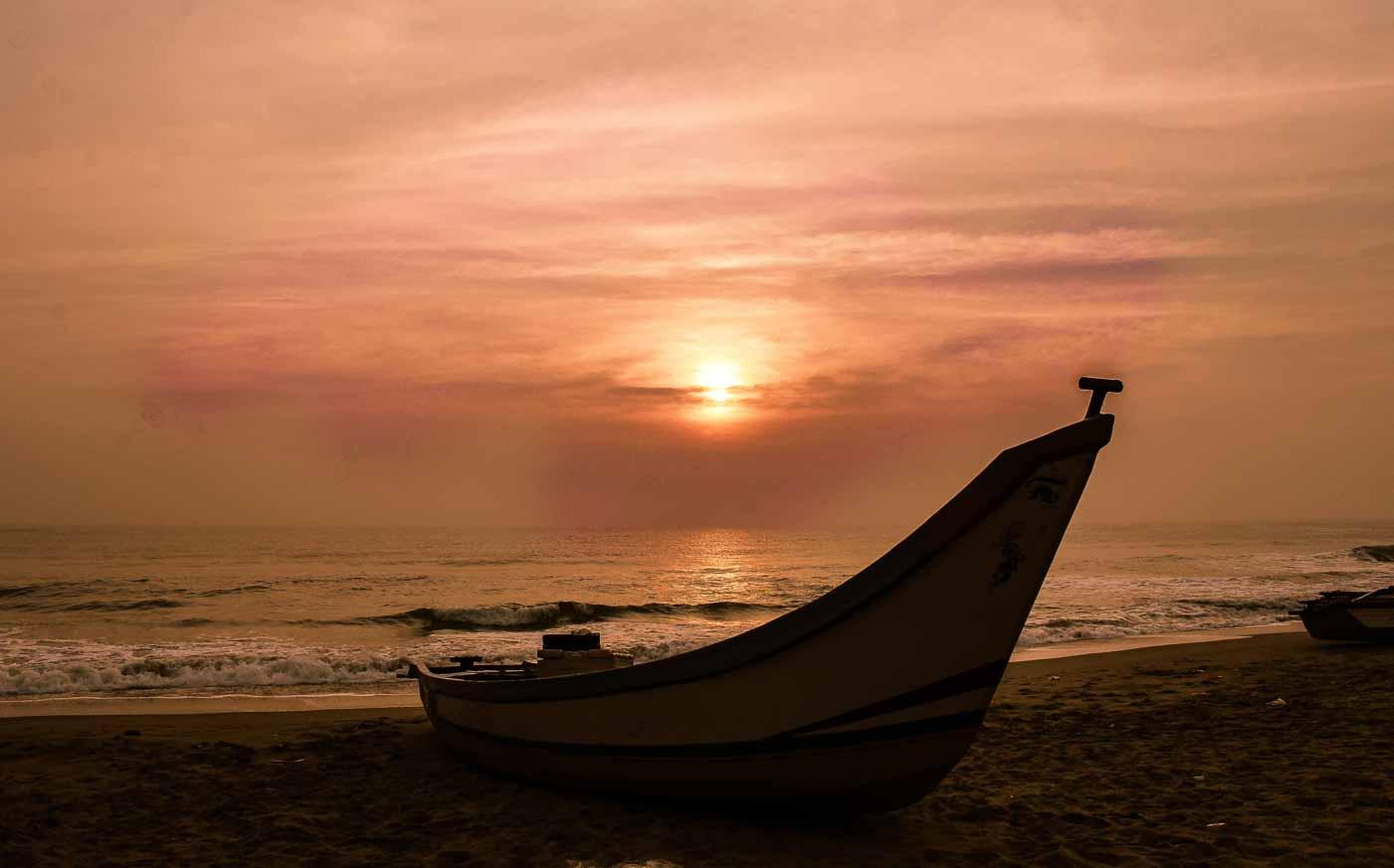 Chasing sunrise in Mahabalipuram