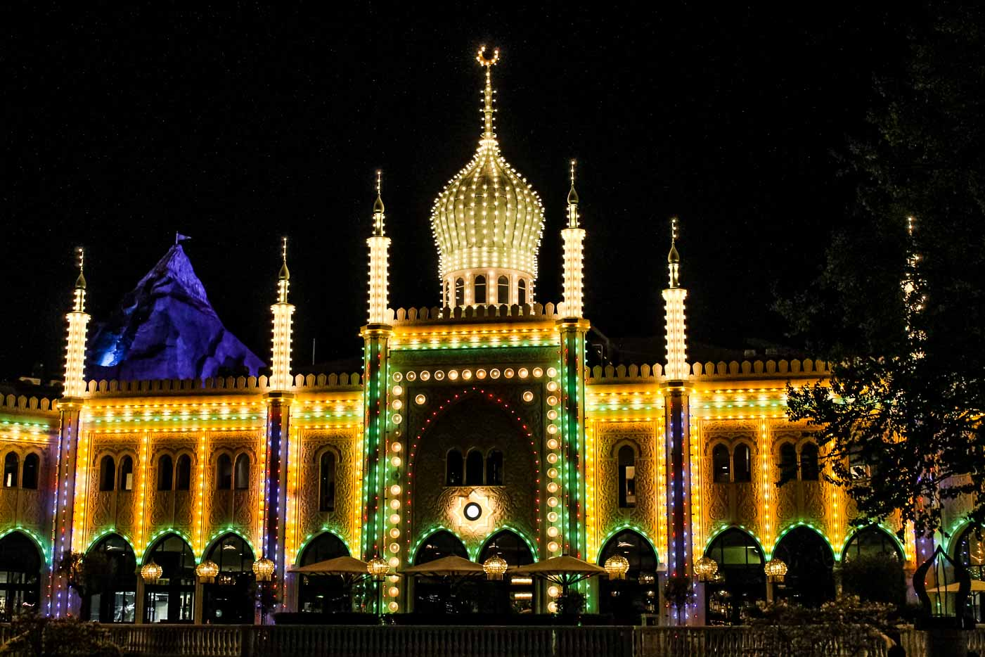 Do Not visit Tivoli Gardens before it gets dark, and this is why!
