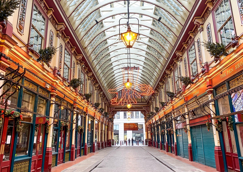 Visit the most beautiful market of London : Leadenhall Market
